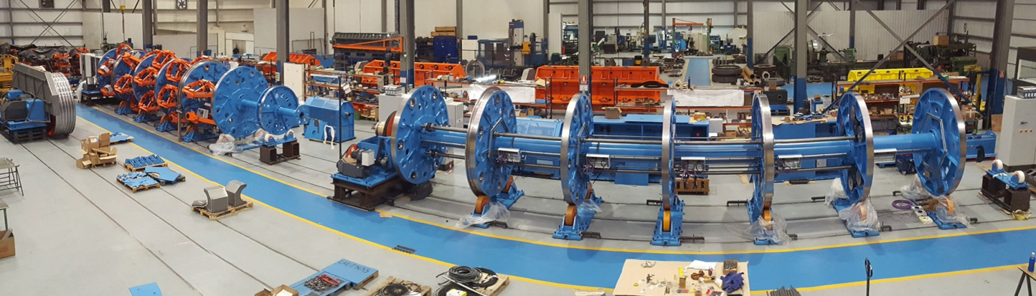 Rotating equipment for stranding wires